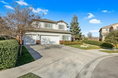 3931 N CARSON ST, Visalia, CA 93291 - Photo 2