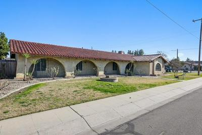 1932 S UNIVERSITY ST, Visalia, CA 93277 - Photo 2
