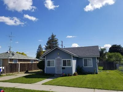 1017 HALL AVE, CORCORAN, CA 93212 - Photo 2