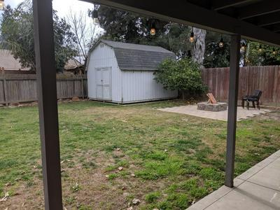 527 E LARK AVE, Visalia, CA 93292 - Photo 1