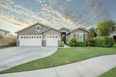 4147 S GARDEN ST, Visalia, CA 93277 - Photo 2