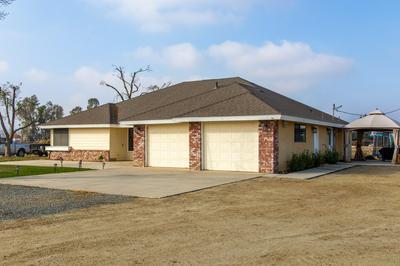 2252 W NORTHGRAND AVE, Porterville, CA 93257 - Photo 2