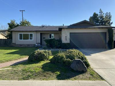 645 W PARADISE AVE, VISALIA, CA 93277 - Photo 1