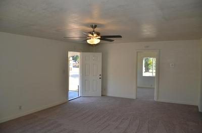 946 FRESNO ST, Lindsay, CA 93247 - Photo 2
