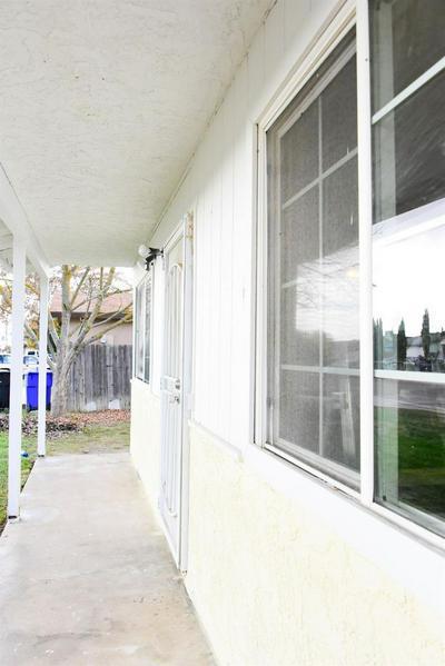 1540 HOLSTE AVE, PIXLEY, CA 93256 - Photo 2