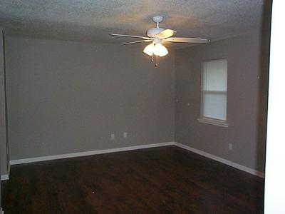 900 THOMAS ST, NASHVILLE, GA 31639 - Photo 2