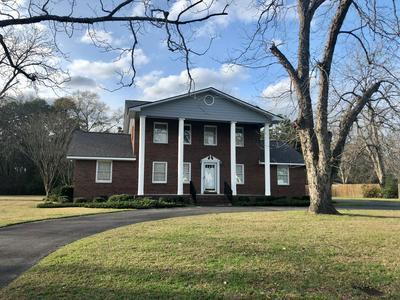 906 PECAN ST, Nashville, GA 31639 - Photo 1
