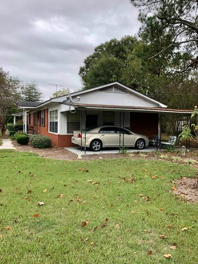 401 E MCPHERSON AVE, Nashville, GA 31639 - Photo 2