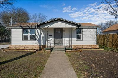 1025 OAKWOOD AVE, Waco, TX 76706 - Photo 1