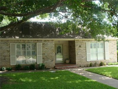 301 N AVENUE M, Clifton, TX 76634 - Photo 1