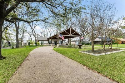 1039 GREENWOOD LN, WACO, TX 76705 - Photo 2