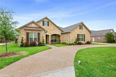 929 QUEEN ELIZABETH DR, McGregor, TX 76657 - Photo 1