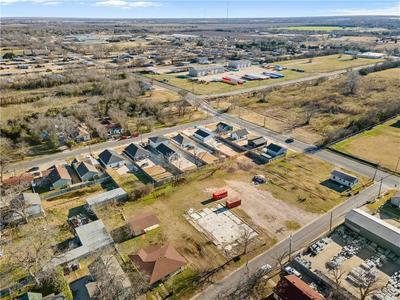 1104 OAKWOOD AVE, Waco, TX 76706 - Photo 1