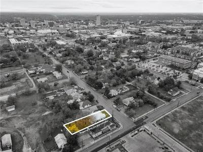 817 S 10TH ST, Waco, TX 76706 - Photo 2