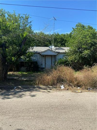 431 DALTON ST, Hillsboro, TX 76645 - Photo 1