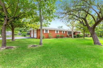 321 RANDLE DR, Woodway, TX 76712 - Photo 2