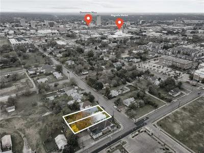 819 S 10TH ST, Waco, TX 76706 - Photo 2