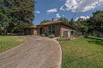 7710 HIDDEN HOLLOW DR, Woodway, TX 76712 - Photo 2