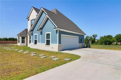 2049 N OLD BRUCEVILLE RD, Bruceville-Eddy, TX 76630 - Photo 2