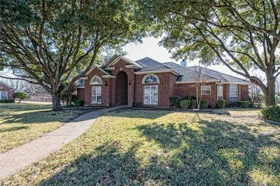 824 COUNTRY LANE DR, McGregor, TX 76657 - Photo 1