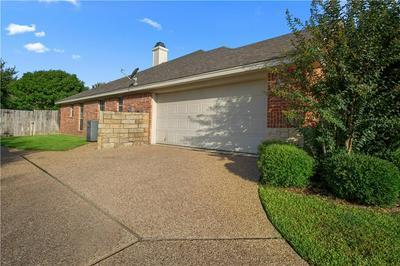 309 CHAMBERLY RD, Woodway, TX 76712 - Photo 2