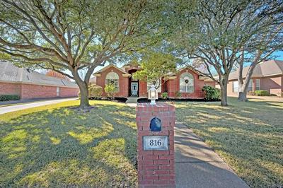 816 MEADOW MOUNTAIN DR, Waco, TX 76712 - Photo 1