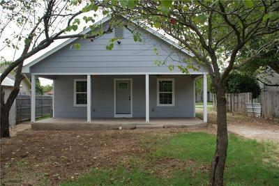 812 S TYLER ST, McGregor, TX 76657 - Photo 2