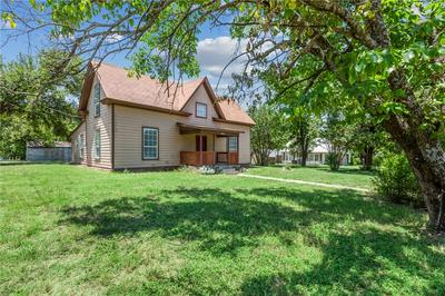 206 S CLEVELAND, Meridian, TX 76665 - Photo 2