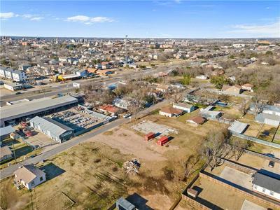 1108 OAKWOOD AVE, Waco, TX 76706 - Photo 1