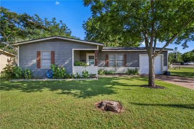 101 AUSTIN ST, McGregor, TX 76657 - Photo 1