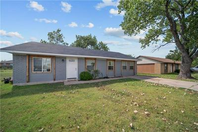 1002 S COLLEGE AVE, Troy, TX 76579 - Photo 2
