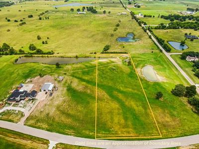 15 BOLD SPRINGS CT, West, TX 76691 - Photo 1