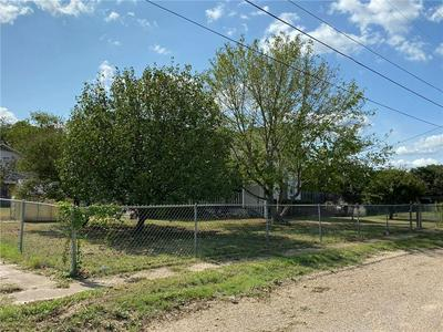 328 TAFT ST, McGregor, TX 76657 - Photo 2