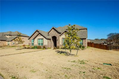 213 WOODHAVEN TRL, McGregor, TX 76657 - Photo 2