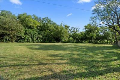 105 N HOUSTON ST, Lorena, TX 76655 - Photo 2