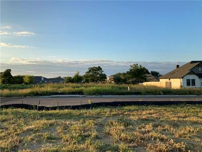 10200 SADDLE CREEK RD, Waco, TX 76708 - Photo 1