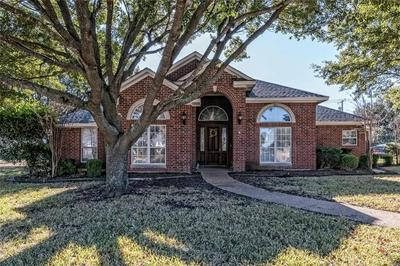 824 COUNTRY LANE DR, McGregor, TX 76657 - Photo 2
