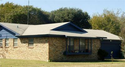 813 S AVENUE N, Clifton, TX 76634 - Photo 2