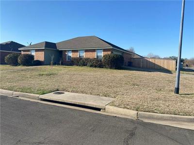 2001 SABINE DR, Waco, TX 76708 - Photo 2