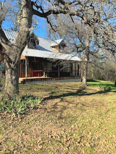 949 COUNTY ROAD 402, Lott, TX 76656 - Photo 1