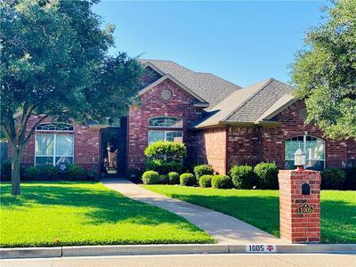 1005 LANDS END CV, Hewitt, TX 76643 - Photo 1