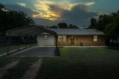 521 4TH ST, Moody, TX 76557 - Photo 1