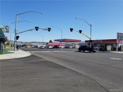 1064 HIGHWAY 95, Bullhead, AZ 86429 - Photo 1