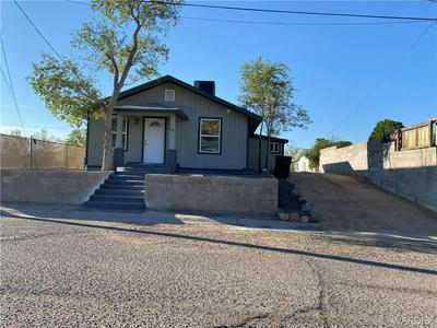 214 CHESTNUT ST, Kingman, AZ 86401 - Photo 2