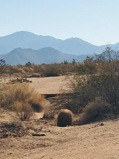 698 S GENE AUTRY, Yucca, AZ 86438 - Photo 1