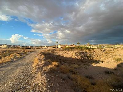 837 LA PUERTA RD, Bullhead, AZ 86429 - Photo 1