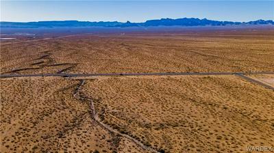 00 APACHE, Golden Valley, AZ 86413 - Photo 1