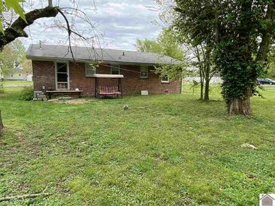 604 MAPLE ST, Benton, KY 42025 - Photo 2