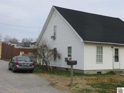 226 FRONT ST, Bardwell, KY 42023 - Photo 2