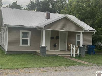 414 S 10TH ST, Murray, KY 42071 - Photo 1